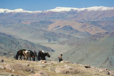 mongolie-rando-cheval-randonnee-equestre-voyage-altai-aigliers-kazakh-festival-09.jpg